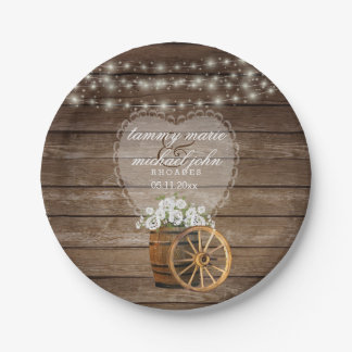 Assiettes En Papier Mariage en bois rustique de baril avec les fleurs