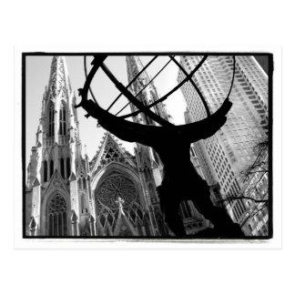 Atlas et carte postale de la cathédrale de St
