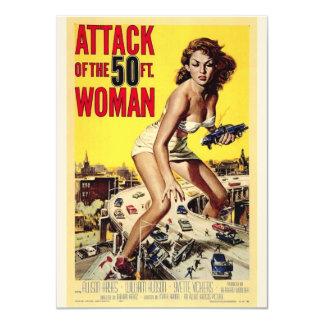 Attaque des invitations de femmes de 50 pieds