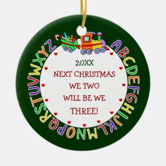 Attendre les ęrs ornements de cadeaux de Noël de