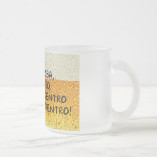 Atterrit abajo al centre y adentro ! tasses à café