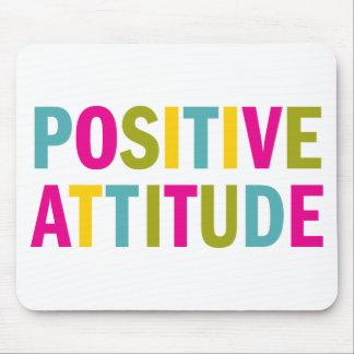 Attitude positive dans des couleurs lumineuses tapis de souris