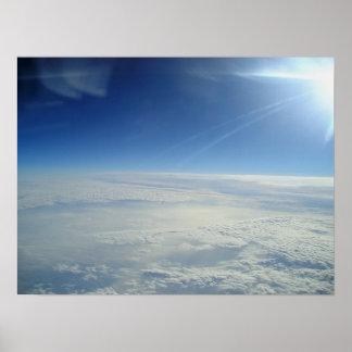 Au-dessus des nuages 1 affiche