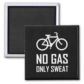 Aucun vélo de gaz n'a seulement sué aimant