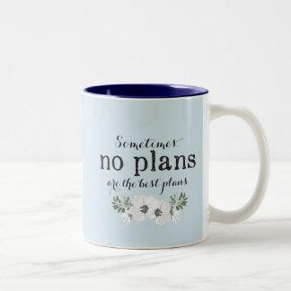 Aucuns plans avec la tasse nommée personnalisée de