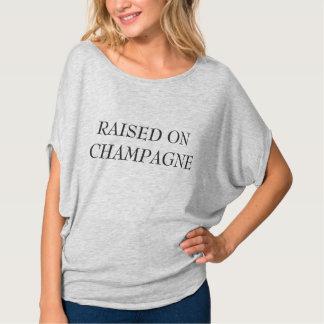 Augmenté sur le T-shirt de Champagne