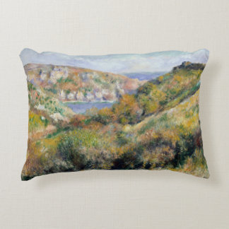Auguste Renoir - collines autour de la baie Coussins Décoratifs