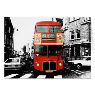 Autobus à deux étages rouge lumineux carte de vœux