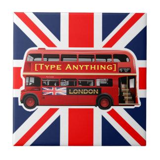 Autobus rouge de Londres orienté Petit Carreau Carré