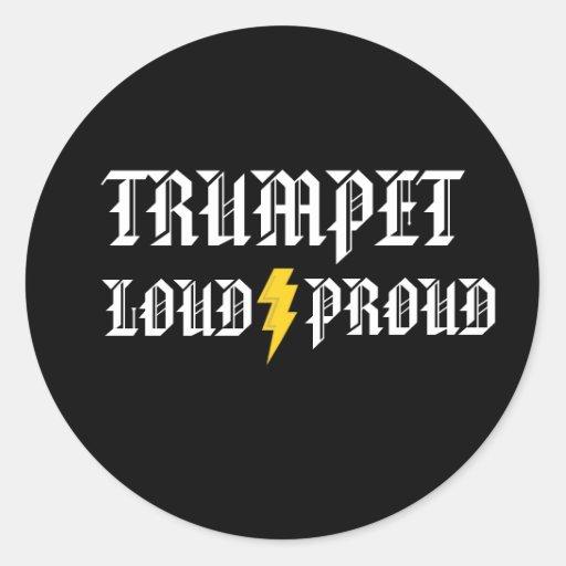 Autocollant bruyant et fier de trompette