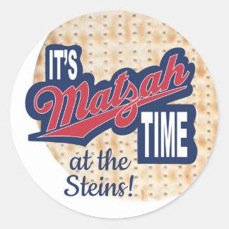 """Autocollant de pâque rond """"il est temps de Matzah"""