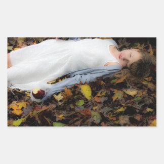 Autocollant de sommeil d'automne de feuilles