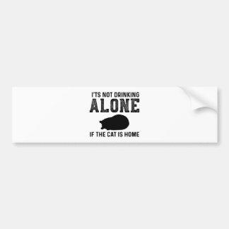 Autocollant De Voiture Chat - seul buvant - cadeau parfait pour la maman