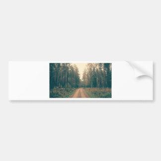 Autocollant De Voiture Chemin de terre de Brown entre les arbres Leaved