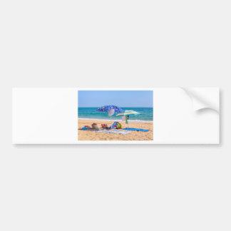 Autocollant De Voiture Deux parasols et approvisionnements de plage à