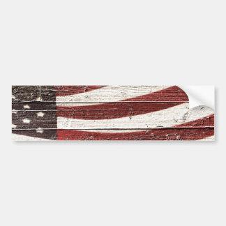 Autocollant De Voiture Drapeau américain peint sur la texture en bois