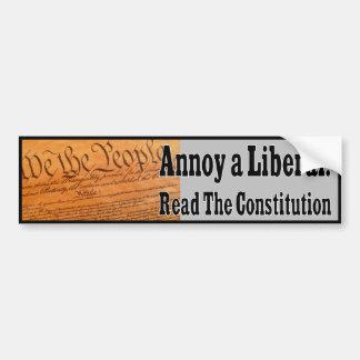 Autocollant De Voiture Ennuyez un libéral - lisez la constitution