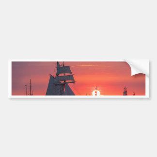 Autocollant De Voiture Grand voilier marchand dans le coucher du soleil