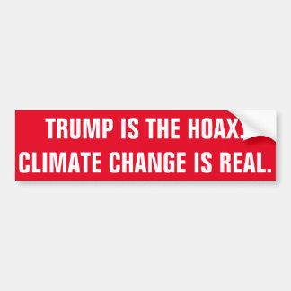 AUTOCOLLANT DE VOITURE L'ATOUT EST LE CANULAR. LE CHANGEMENT CLIMATIQUE