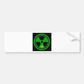 Autocollant De Voiture Signe radioactif de précaution avec le crâne