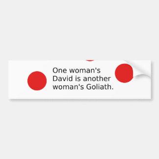 Autocollant De Voiture Un David de la femme est Goliath d'une autre femme