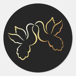 Autocollant/étiquette noirs de mariage de colombes sticker rond