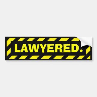 Autocollant jaune drôle de précaution de Lawyered