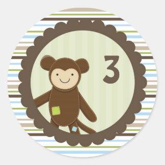 Autocollant mignon d'anniversaire de singe