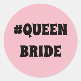 Autocollant rond de jeune mariée de la Reine