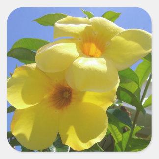 Autocollants de fleurs de trompette d'or