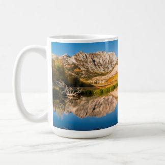 Automne au lac du nord, la Californie Mug