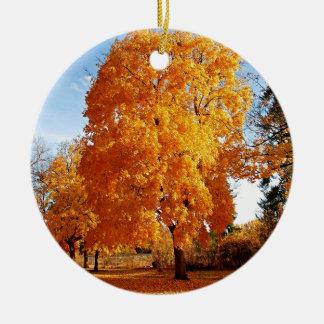 Automne de réalité d'arbre ornement rond en céramique