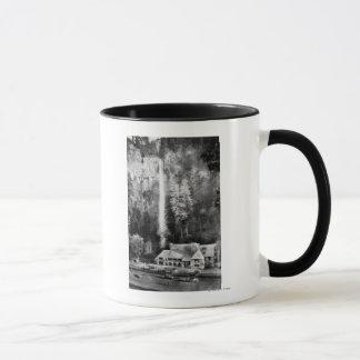 Automnes de Multnomah et photographie de loge Mug