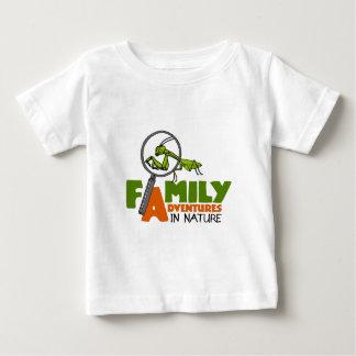 Aventures de famille dans des chemises de nature t-shirt