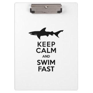 Avertissement drôle de requin - gardez le calme et