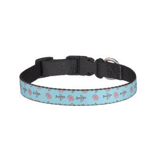 Avions et collier de fleurs colliers pour chiens