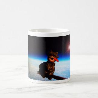 avoine sur un manche à balai au-dessus d earth5 mugs