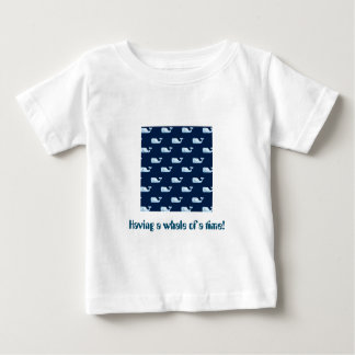 Ayant une baleine d'un moment - T-shirt magnifique