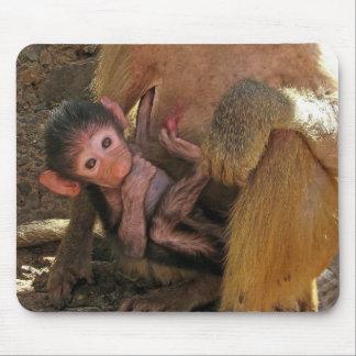 Babouin de bébé tapis de souris