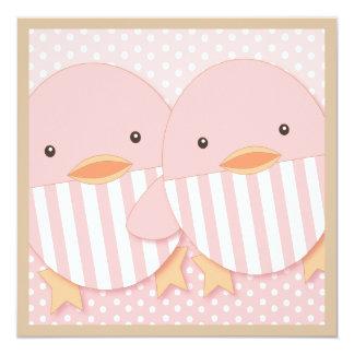 Baby shower jumeau mignon rose de filles carton d'invitation  13,33 cm