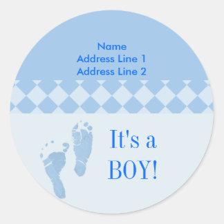 Baby shower rond de pieds de bébé bleu d étiquette adhésif rond