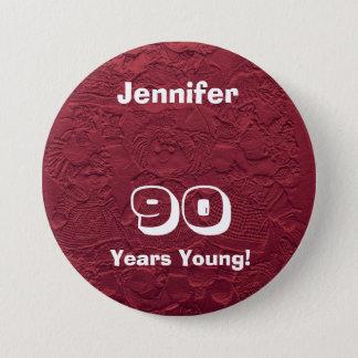 Badge 90 ans de jeune de poupées de Pin de bouton cadeau