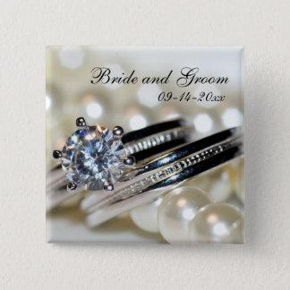 Badge Anneaux et épouser blanc de perles