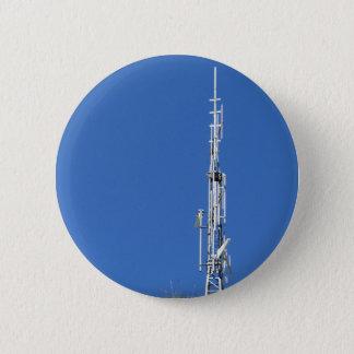 Badge Antenne sur le dessus de la montagne contre le