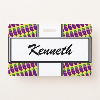 Badge Aubergine étonnée par Kenneth Yoncich