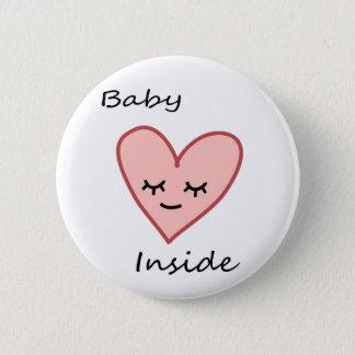 Badge Bébé à l'intérieur de rose mignon de femme