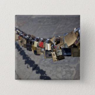 """Badge Carré 5 Cm la nouvelle tradition des """"serrures de l'amour"""" a"""