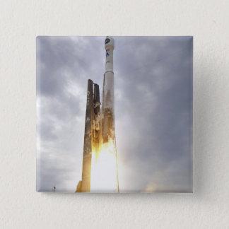 Badge Carré 5 Cm Une fusée unie de l'atlas V d'Alliance de