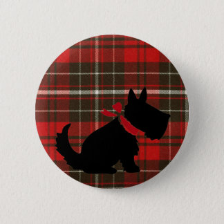 Badge Chien mignon de Scotty et tartan rouge