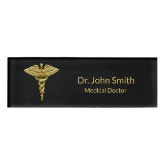Badge D'identification Caducée médical chic d'or sur le noir - étiquette